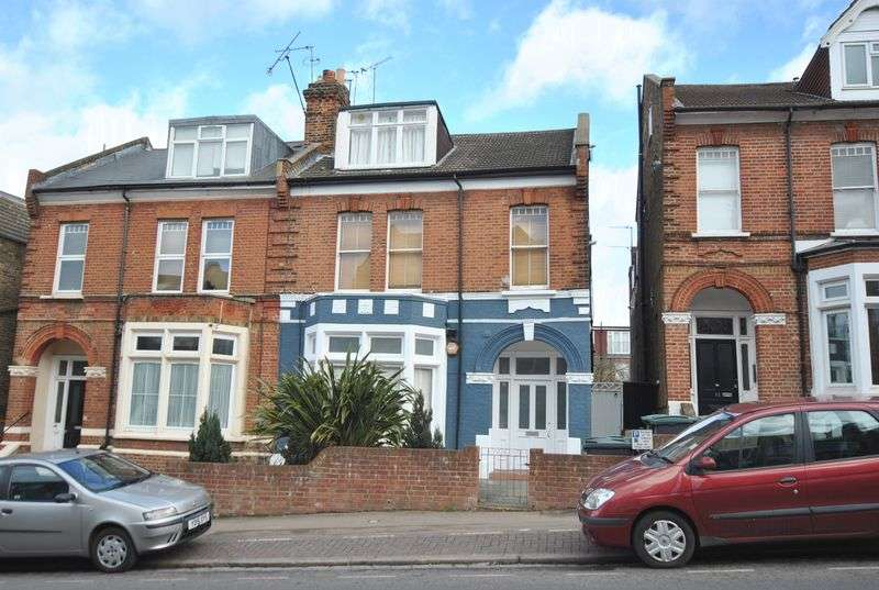 2 Bedrooms Property for sale in Ferme Park Road, Crouch End, N8