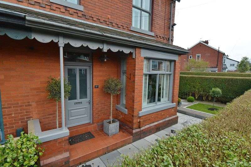 4 Bedrooms Semi Detached House for sale in Dales Lane, Whitefield, Manchester