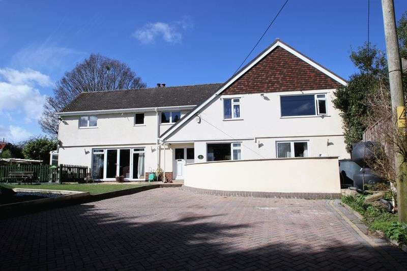 4 Bedrooms Detached House for sale in Ridgeway, Ferndown