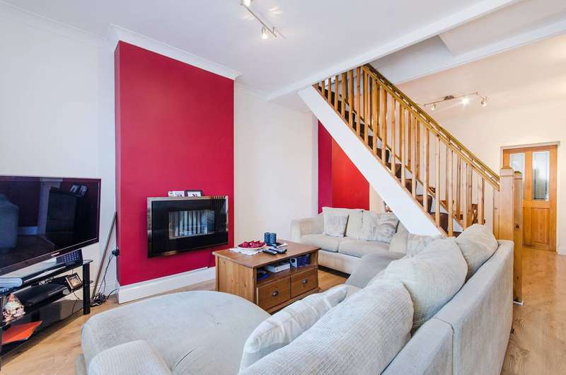 2 Bedrooms Terraced House for sale in Burns Road, Alperton, HA0