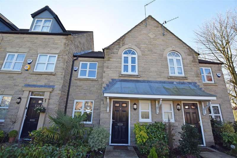3 Bedrooms Terraced House for sale in Viscount Drive, Middleton, Manchester