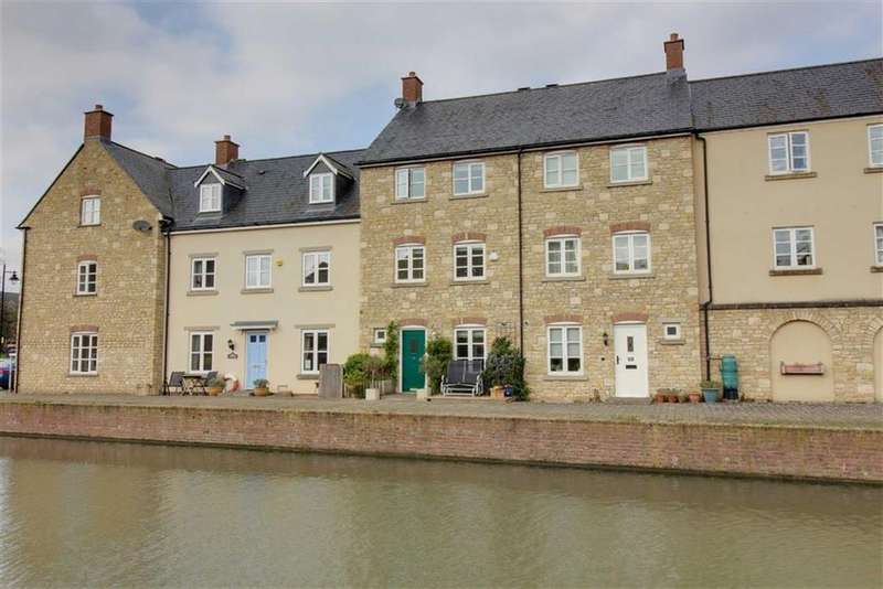 3 Bedrooms Town House for sale in Home Orchard, Stroud, Gloucestershire