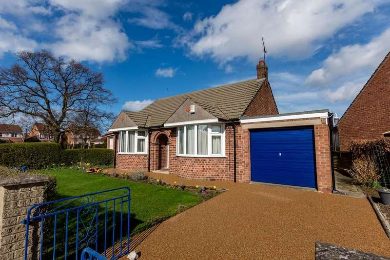 2 Bedrooms Detached Bungalow for sale in Eva Avenue, Rawcliffe, YORK
