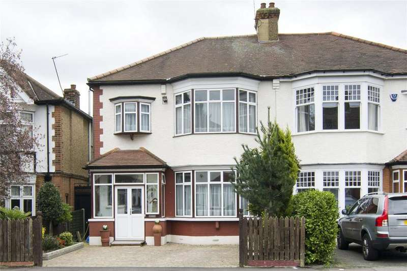 4 Bedrooms House for sale in Langley Drive, London, E11