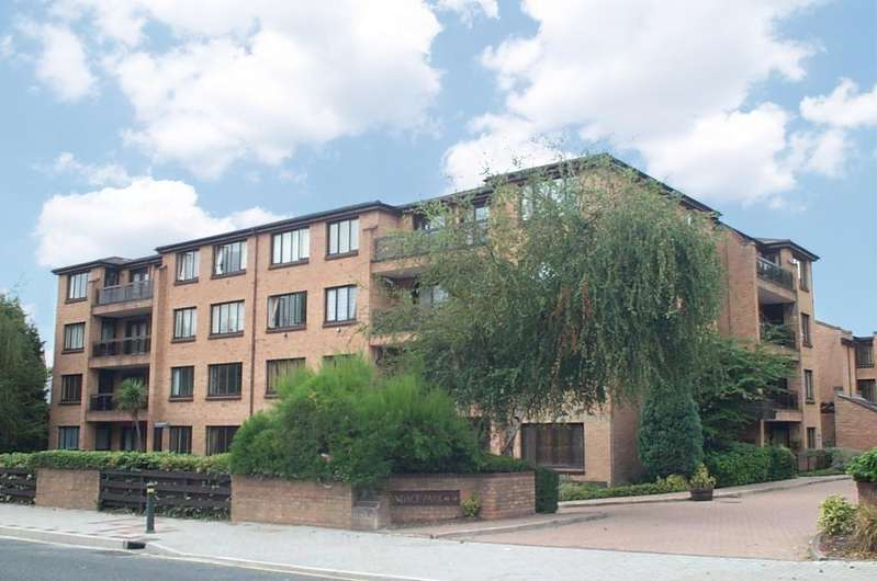 2 Bedrooms Flat for sale in Widmore Road Bromley BR1