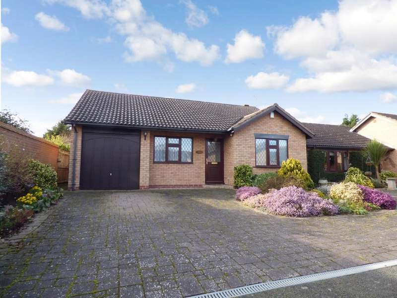 2 Bedrooms Detached Bungalow for sale in Bridgetown Road, Stratford-Upon-Avon