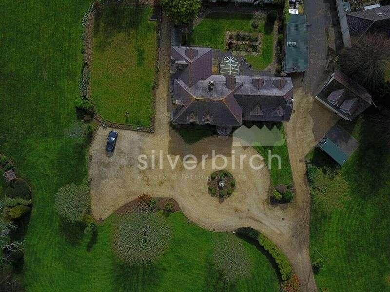 4 Bedrooms Detached House for sale in Dorchester Road, Wimborne
