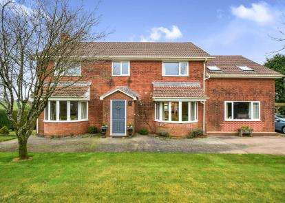 5 Bedrooms Detached House for sale in Totnes, Devon, .