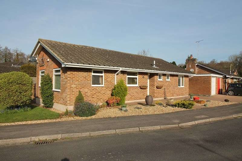 2 Bedrooms Detached Bungalow for sale in Forest Rise, Liss Forest, Liss