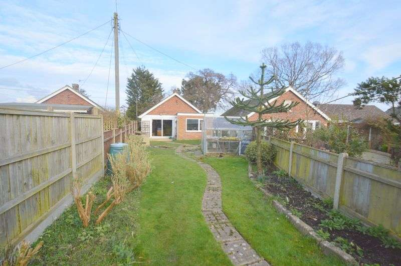 2 Bedrooms Detached Bungalow for sale in Gurney Road, New Costessey, Norwich