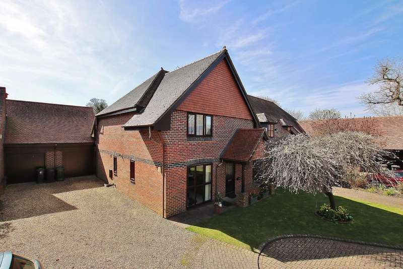 4 Bedrooms Semi Detached House for sale in Alresford