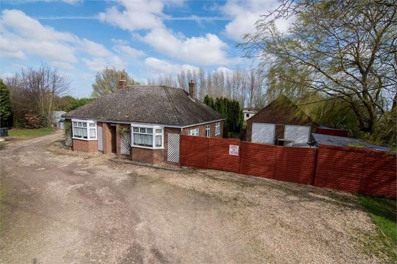 4 Bedrooms Detached Bungalow for sale in Holland Lane, Friskney, Boston, Lincolnshire