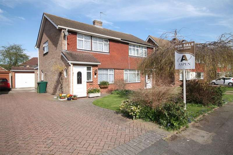3 Bedrooms Semi Detached House for sale in Denman Drive, Ashford, Surrey