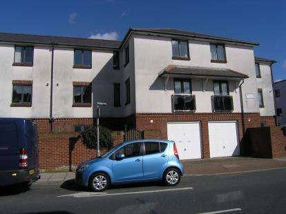 3 Bedrooms Terraced House for sale in Devonshire Square, Southsea, Hampshire