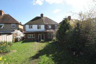 3 Bedrooms Semi Detached House for sale in Ashfield Road, Midhurst, West Sussex, .