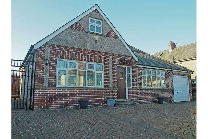 4 Bedrooms Detached Bungalow for sale in Longton Drive, Torrisholme, Morecambe