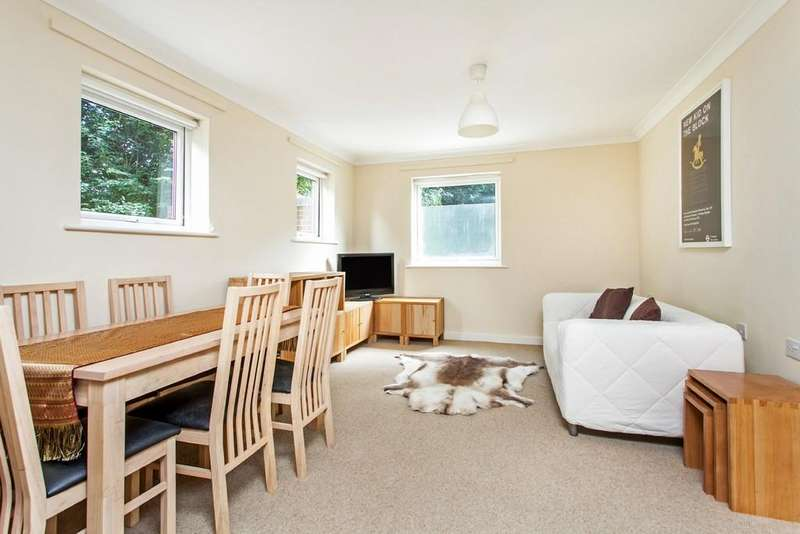 2 Bedrooms Apartment Flat for sale in Athelstan Road, Winchester, SO23