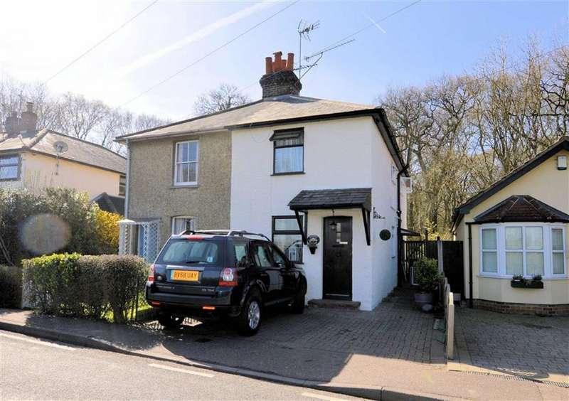 3 Bedrooms Property for sale in Woodside, Thornwood