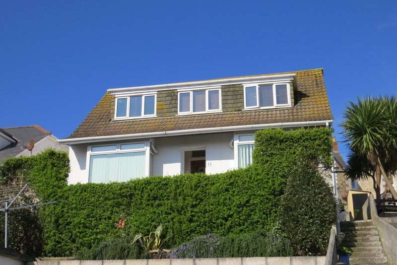 4 Bedrooms Detached Bungalow for sale in Tywarnhayle Road, Perranporth