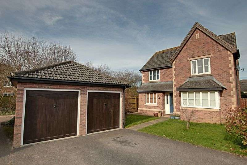 4 Bedrooms Detached House for sale in Faverolle Way, Trowbridge