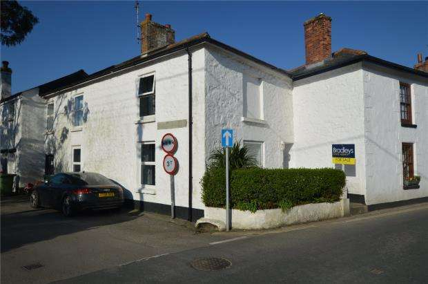 4 Bedrooms Terraced House for sale in Foundry Square, Hayle, Cornwall