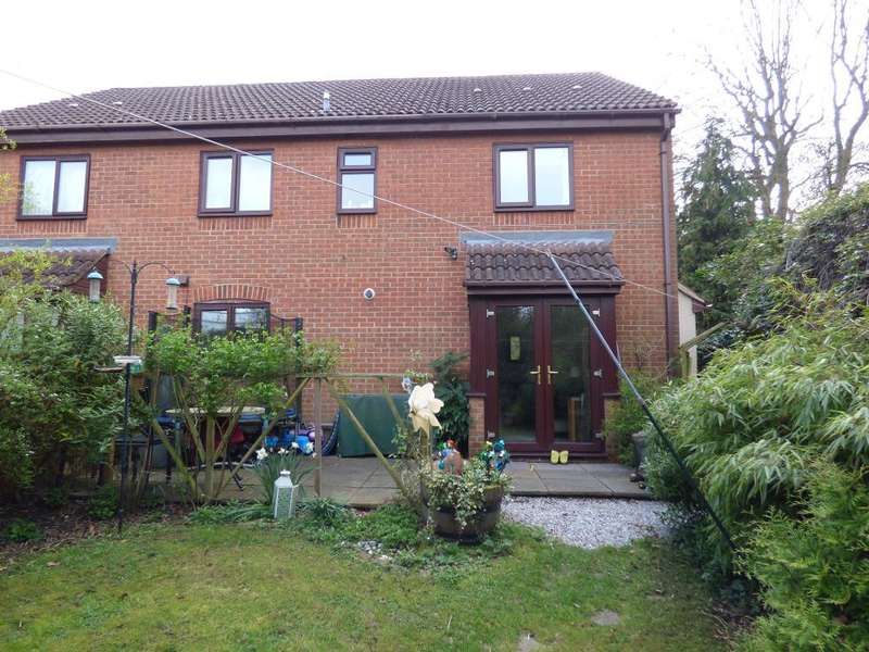 2 Bedrooms Terraced House for sale in Bury Walk, Bedford, MK41 0DU