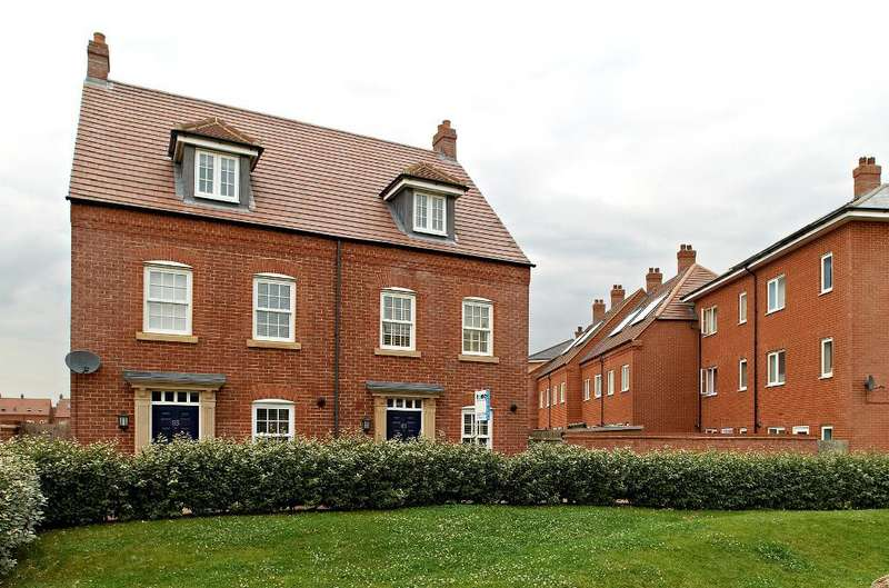 4 Bedrooms Semi Detached House for sale in Saxon Way, Great Denham, Bedford, MK40 4GP