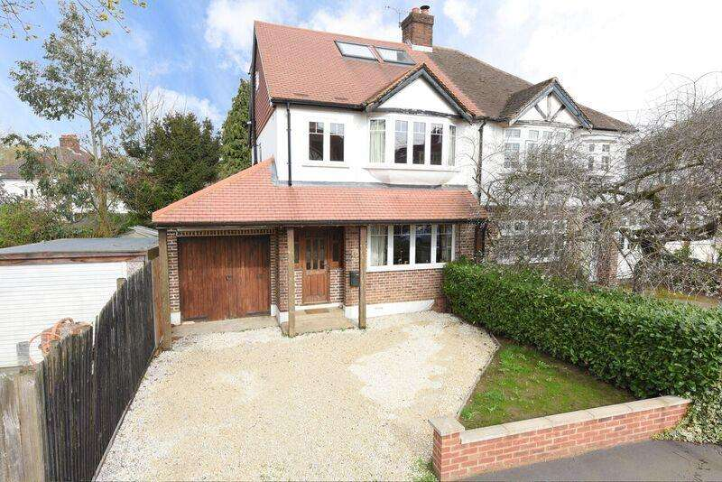 4 Bedrooms Property for sale in Windsor Avenue, West Molesey