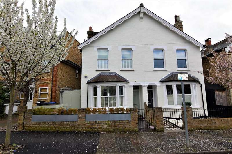4 Bedrooms Property for sale in Glenville Road, Kingston Upon Thames