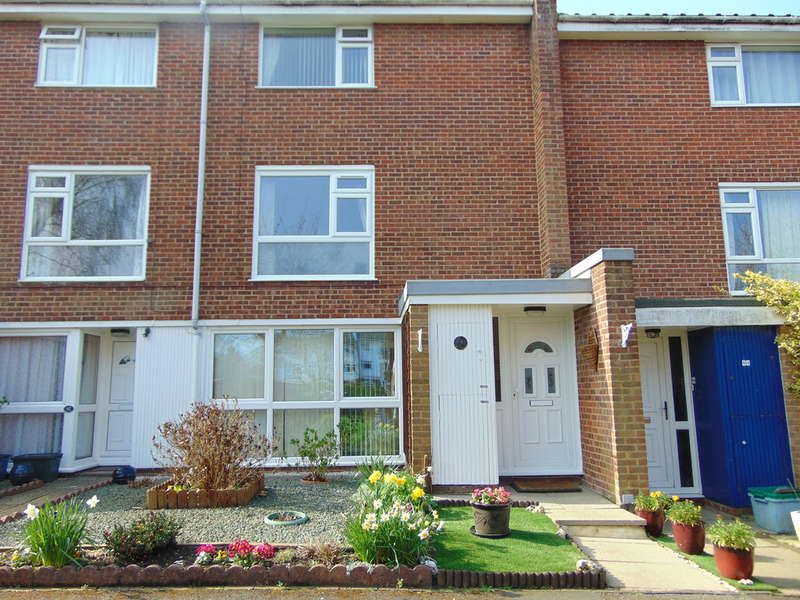 2 Bedrooms Maisonette Flat for sale in Holmbury Grove, Forestdale, Surrey, CR0 9AQ