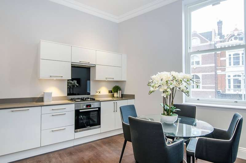 2 Bedrooms Flat for sale in Francis House, London