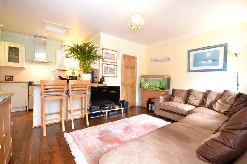 2 Bedrooms Terraced Bungalow for sale in Manor Farm Lane , Carisbrooke