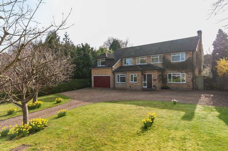 6 Bedrooms Detached House for sale in Bookham