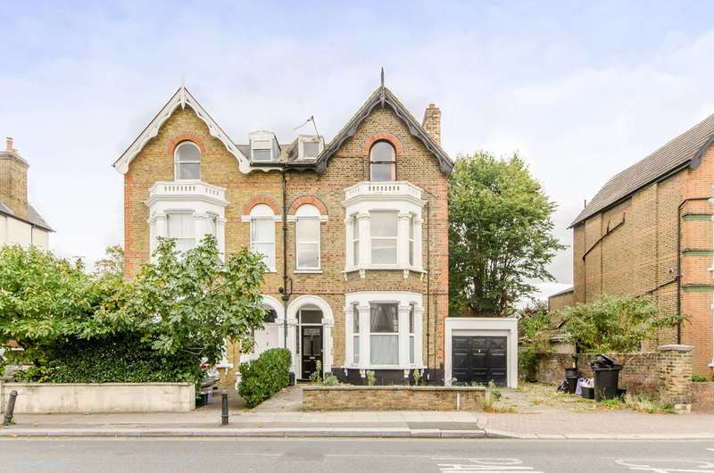 2 Bedrooms Flat for sale in Queens Road, Wimbledon, SW19