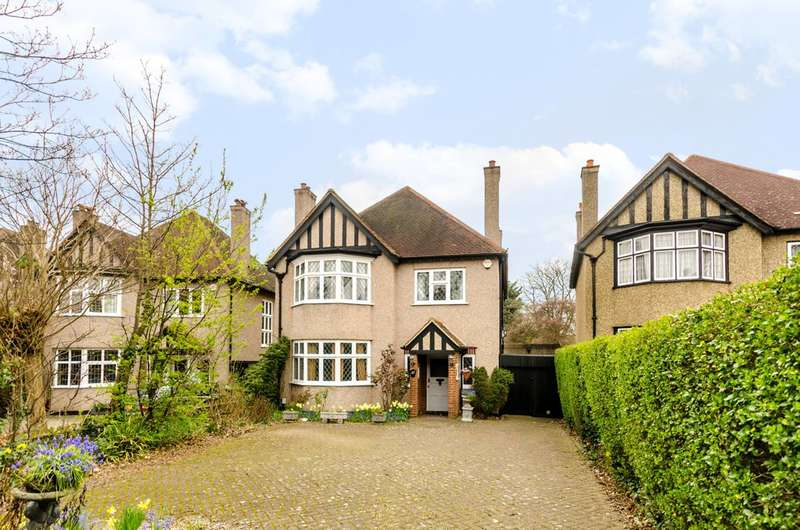 4 Bedrooms Detached House for sale in Bromley Road, Beckenham, BR3
