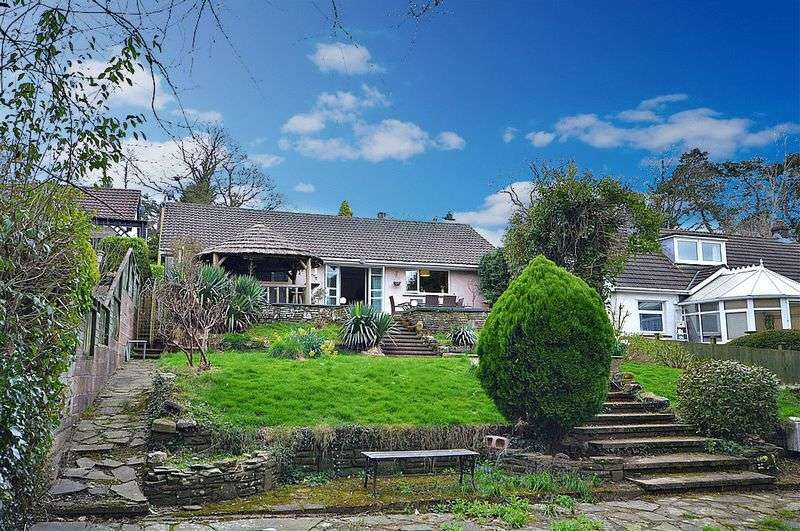 3 Bedrooms House for sale in Crown Road, Cwmbran