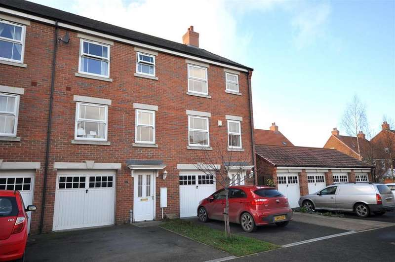 4 Bedrooms Town House for sale in Robb Close, Thirsk