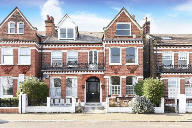 2 Bedrooms Flat for sale in Elmbourne Road, Balham, SW17