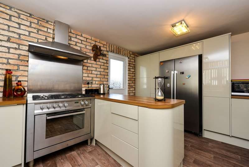 3 Bedrooms Link Detached House for sale in old rd. crosby, maryport, Cumbria, CA15