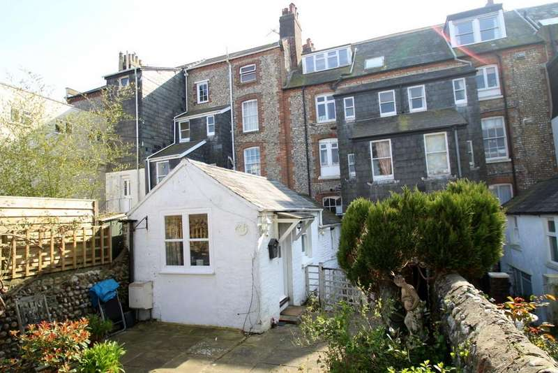 1 Bedroom Flat for sale in South Terrace, Littlehampton