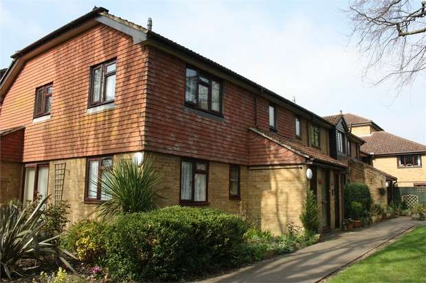 2 Bedrooms Retirement Property for sale in Eggars Court, St Georges Road East, ALDERSHOT, Hampshire