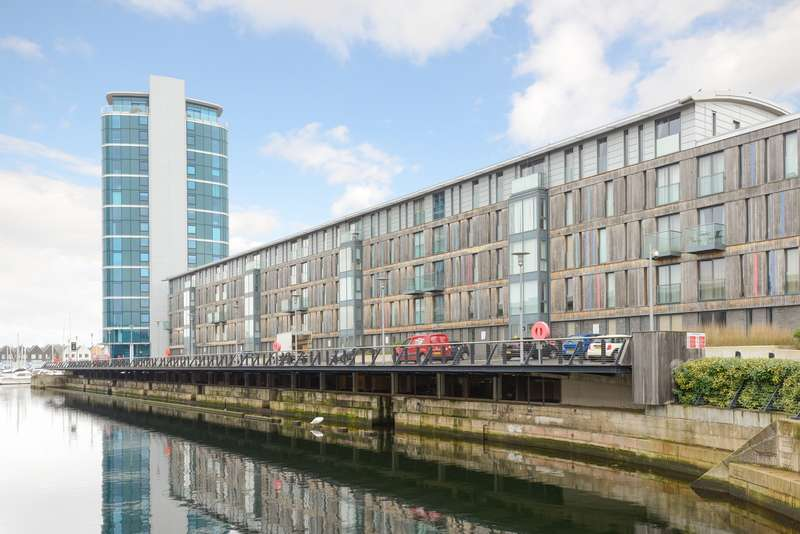 2 Bedrooms Apartment Flat for sale in The Wharf, Dock Head Road, Chatham, ME4