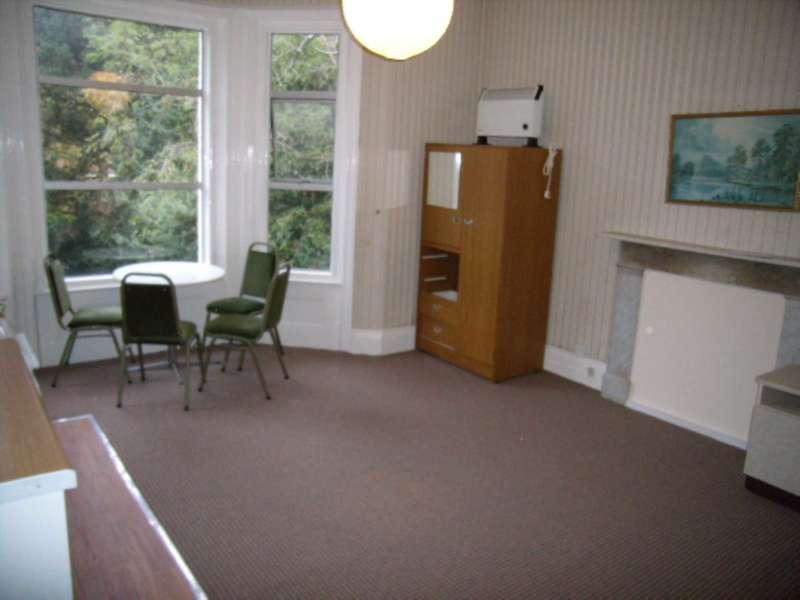 Flat for rent in Dean Park Road, Dorset