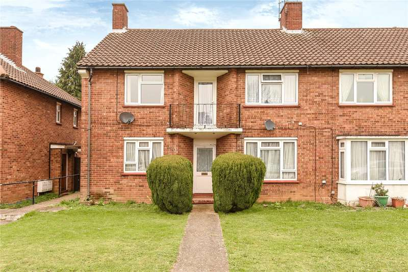 2 Bedrooms Maisonette Flat for sale in Ellement Close, Pinner, Middlesex, HA5