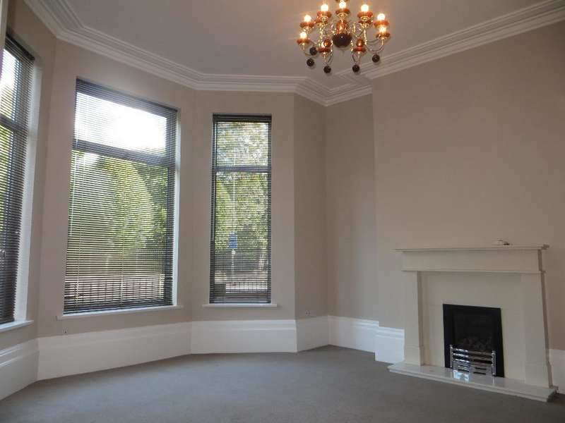 4 Bedrooms End Of Terrace House for sale in Spring Bank West, Hull, HU3 1LD