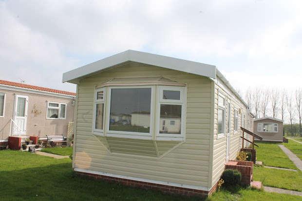 2 Bedrooms Property for sale in Little Clacton road, Little Clacton, CO16
