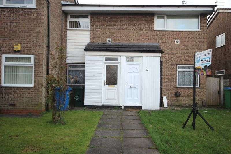 2 Bedrooms Flat for sale in Evesham Walk, Middleton Manchester M24 1PW