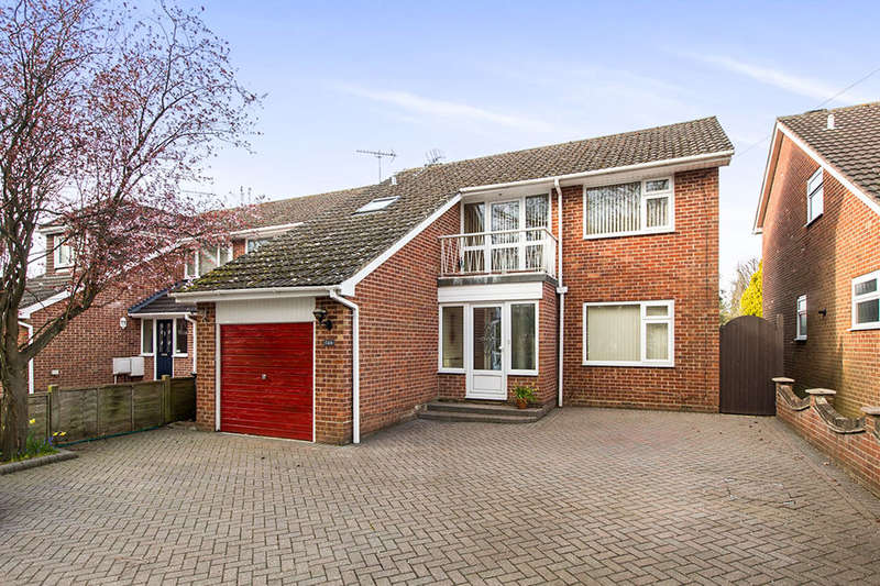 3 Bedrooms Detached House for sale in Hart Plain Avenue, Waterlooville, PO8