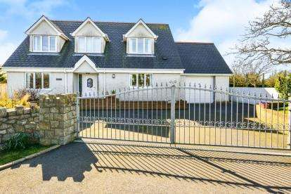 4 Bedrooms Detached House for sale in Bodedern, Holyhead, Sir Ynys Mon, LL65