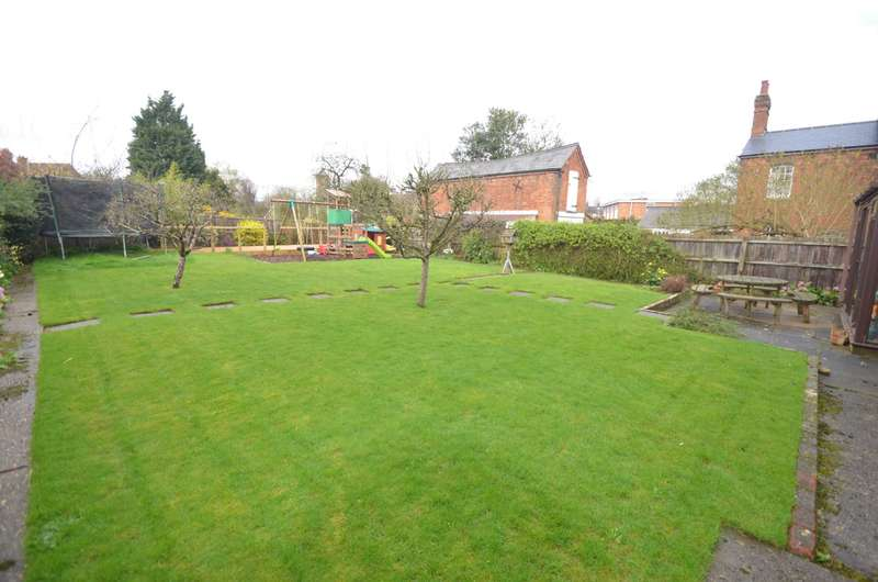 3 Bedrooms Detached House for sale in Wing Road, Linslade